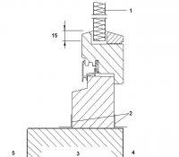 Obr. 2: Způsob osazení v otvoru dělicí stěny – varianta celých rámů okna: 1) výplňový prvek z izolačního materiálu; 2) lepicí páska; 3) dělicí stěna; 4) teplá strana; 5 studená strana