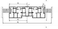 Obr. 3: Způsob osazení v otvoru dělicí stěny – varianta sestavení rámu a křídla okna: 1) lepicí páska; 2) výplňový prvek z izolačního materiálu; 3) návrhová plocha At rámu a výplňového prvku; 4) teplá strana; 5) studená strana